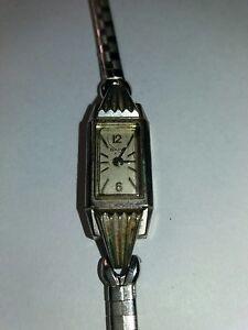 Vintage-10k-17J-RGP-Rolled-Gold-Bulova-Art-Deco-ladies-watch-for-parts-repair