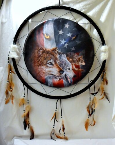 "NEW 24/"" Brown /& Grey Wolves Wolf with American Flag Background Dream Catcher"