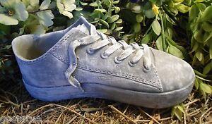 Latex w/ plastic backup tennis shoe planter / feeder mold plaster concrete