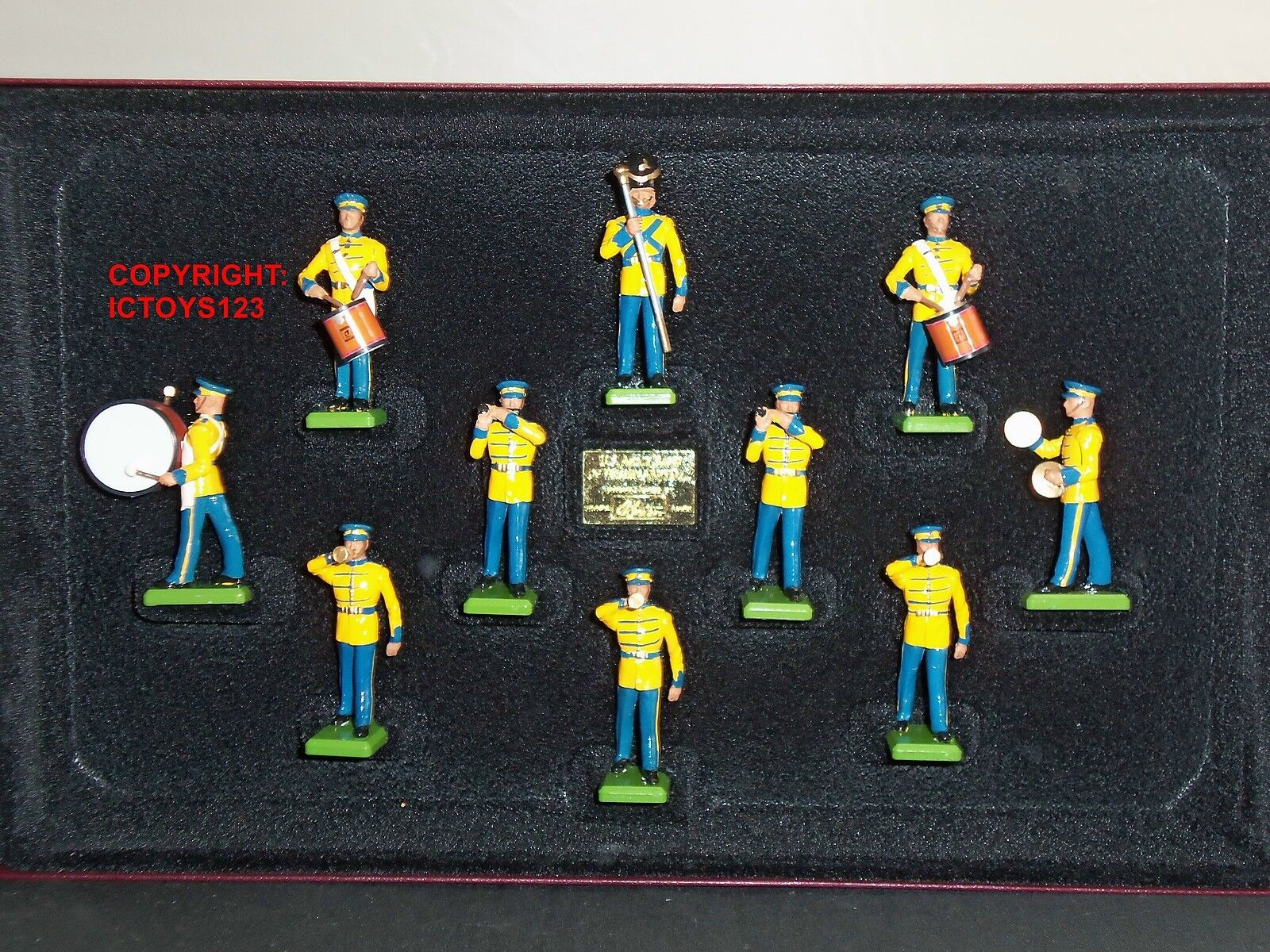BRITAINS 5391 UNITED STATES OF AMERICA WASHINGTON DC ARMY BAND TOY SOLDIER SET