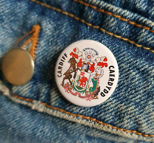 City-of-Cardiff-crest-Armorial-bearings-Small-Button-Badge-25mm-diam