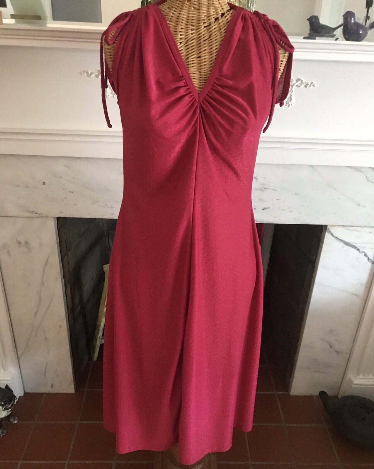 Tie belt. v neck with ruffles on bottom Sweet vintage 70-80s purple dress Sleeveless