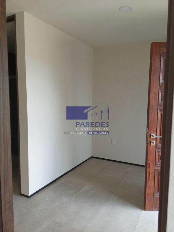 Casa nueva en Coto Privado, Altozano C-112