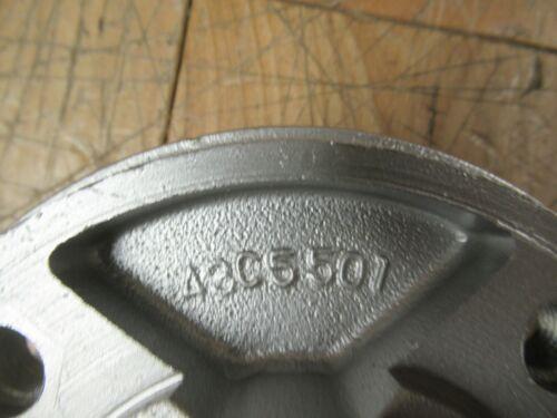 YAMAHA OEM RD200 CS3 CS5 YCS1-174-25366-01 REAR WHEEL CLUTCH HUB