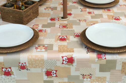 1.4x1.4M SQUARE RED OWLS PVC WIPECLEAN TABLECLOTH WITH PARASOL HOLE