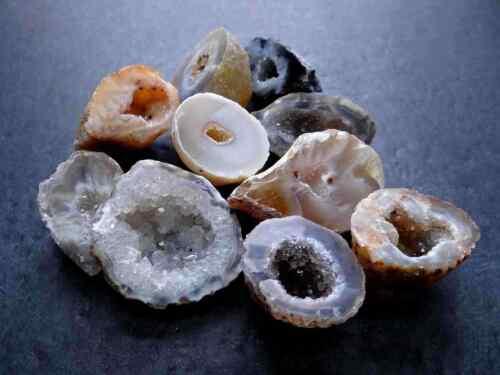 Oco Agate Geodes 1//4 Lb Lots Natural Crystals Druzy Halves