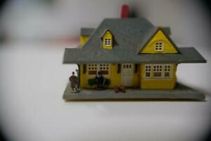 19th-century-rural-Mid-West-train-station-for-N-gauge-layout-North-American