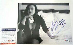 Jennifer Tilly Bound Signed Laserdisc Cover PSA/DNA #J00679