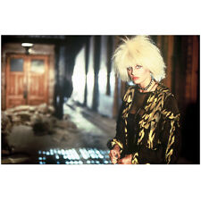 Blade Runner Daryl Hannah as Pris in patterned jacket 8 x 10 Inch Photo