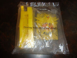 Burger King--Pokemon 2000--The Movie--Zapdos-<wbr/>-3-D Card & Stand---Factor<wbr/>y Sealed
