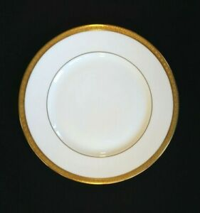 Beautiful-Royal-Doulton-Royal-Gold-Lunch-Plate
