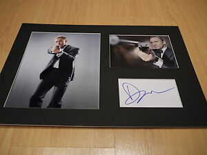 Signed-amp-Mounted-Daniel-Craig-James-Bond-007-Card-amp-photo-display-C-O-A