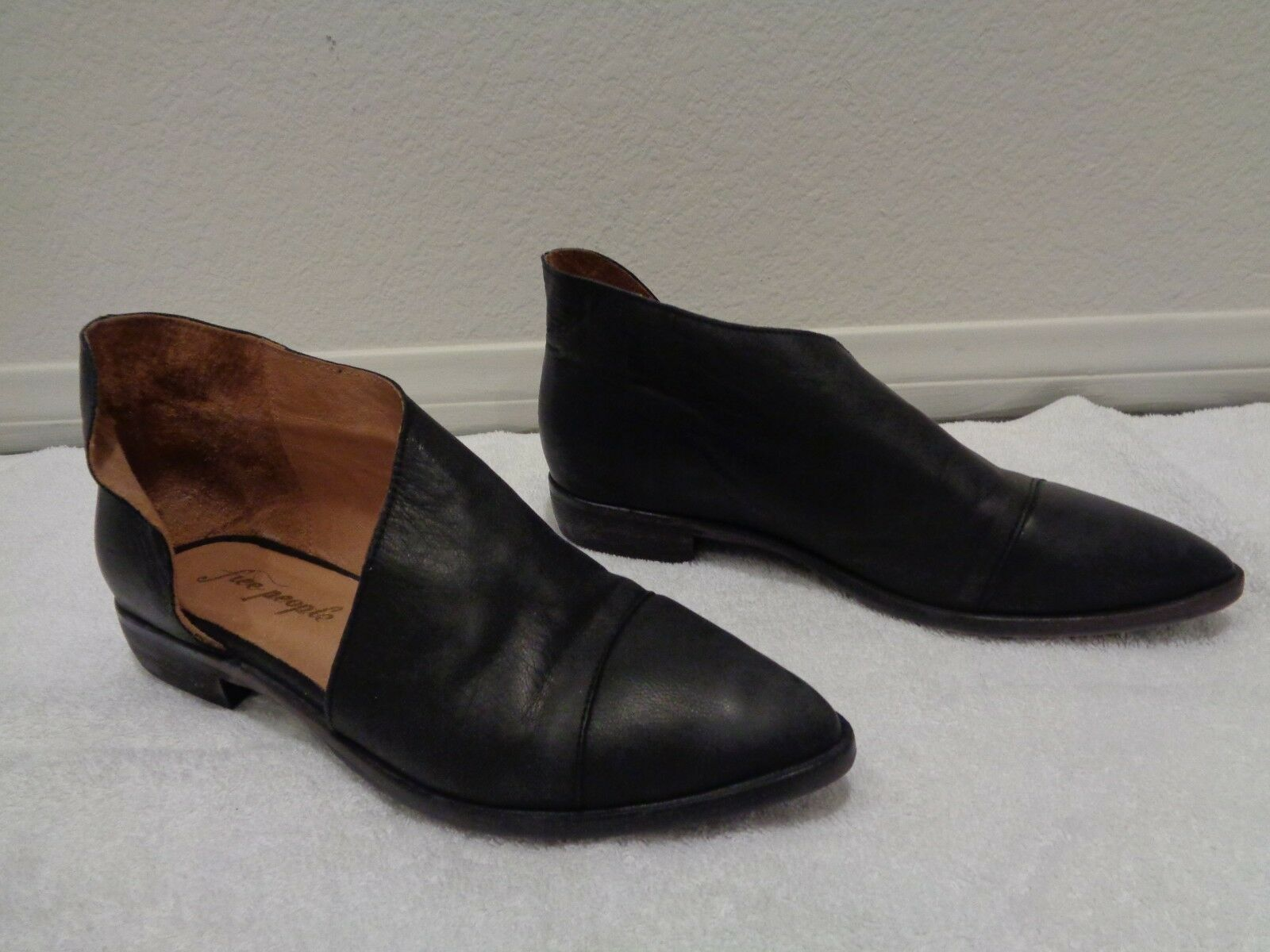 Free People 'Royal' Puntera Puntiaguda cuero plano negro Talla Talla Talla 38 8 Nuevo  tienda en linea