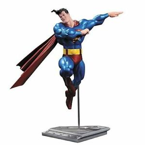 Statue métallique Diamond Select Superman par Frank Miller