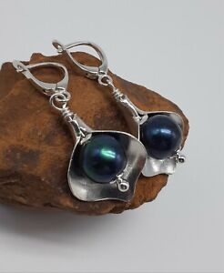 STERLING-SILVER-FRESHWATER-PEACOCK-PEARL-CALLE-LILY-LEVER-BACK-EARRINGS