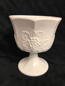 Harvest-Indiana-Grape-Carnival-Milk-Glass-Vase