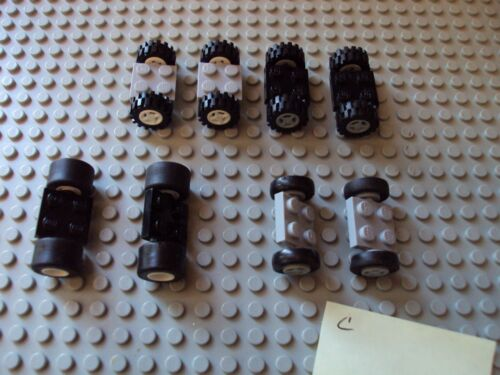 Lego Minifig ~ Mixed Lot Of Wheels With Tires /& Axles Set Car truck Rim//Hub #xef