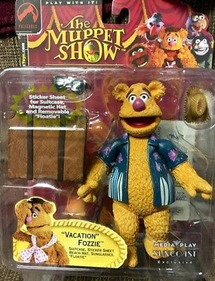 The Muppet Show Fozzie Bear Palisades Series 2 Figure