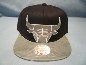 f605586310c Image is loading Mitchell-amp-Ness-Chicago-Bulls-Reflective-Cropped-XL-