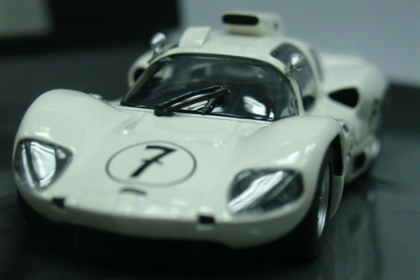 WOW EXTREMELY RARE Chaparral 2D Chevy Winner Nürburgring 1966 1 43 Minichamps