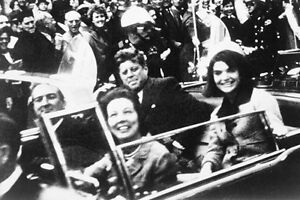 New-5x7-Photo-John-F-Kennedy-in-Motorcade-Moments-Before-Assassination