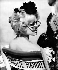 Brigitte Bardot UNSIGNED photo - C810 - The Female