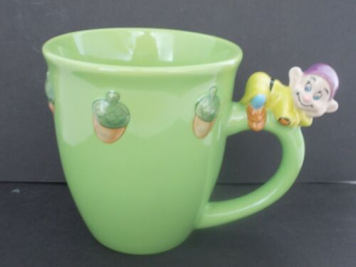DISNEY STORE CHARACTER MUGS RAISED IMAGE CHOICE DOPEY POOH OR TIGGER WITH TOY
