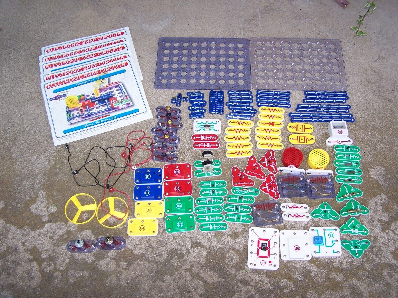 Elenco Electronic Snap Circuit Series LOT  Basic Electricity 1-511 EXPERIMENTS