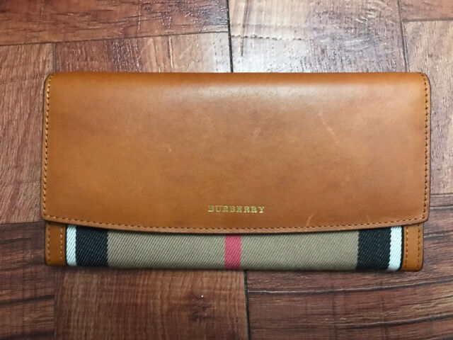 Burberry Women S Two Tone Trench Leather Continental Wallet Pink For Sale Online Ebay