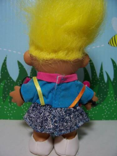 """NEW IN ORIGINAL WRAPPER 5/"""" Russ Troll Doll GIRL w//OLD FASHIONED TELEPHONE"""
