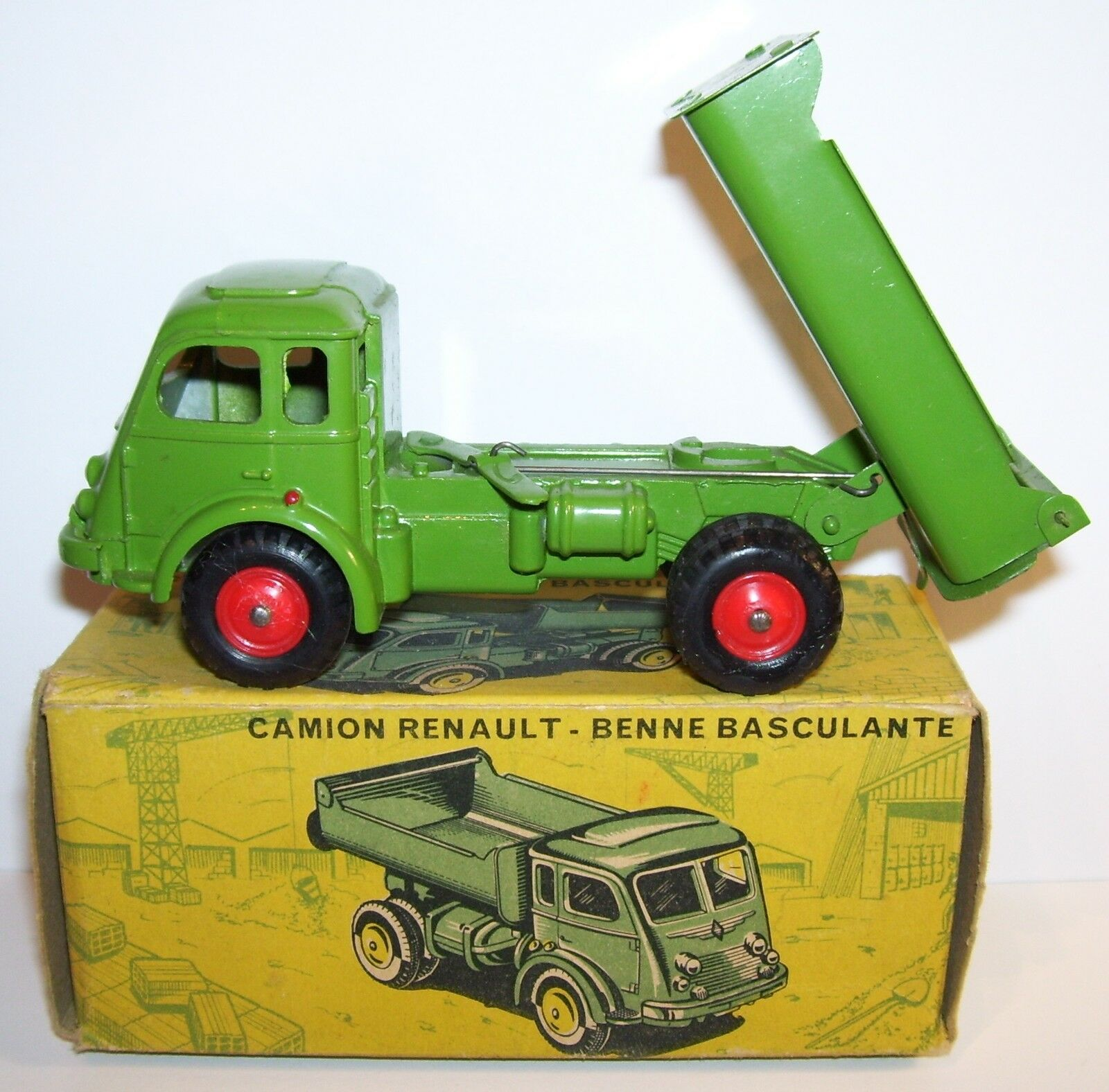 MADE FRANCE OLD CIJ CAMION RENAULT FAINEANT BENNE BASCULANTE REF REF REF 3 80 1 55 BOX b74892