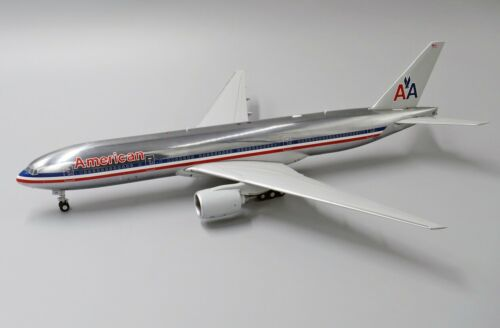 JCWINGS JCLH2174 1//200 AMERICAN AIRLINES B777-200 ER N793AN W//S 180PCS REG