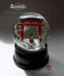 Handcrafted-Japanese-Shinto-torii-and-kitsune-fox-Snowglobe-LARGE-VERSION
