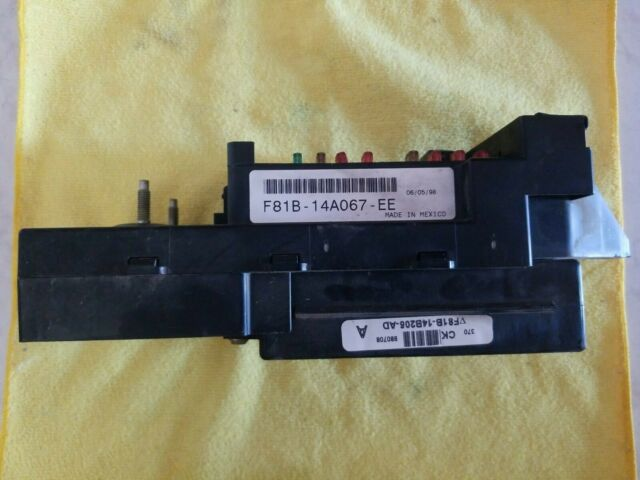 1998 99 Ford F250 F350 Interior Fuse Panel Junction Box