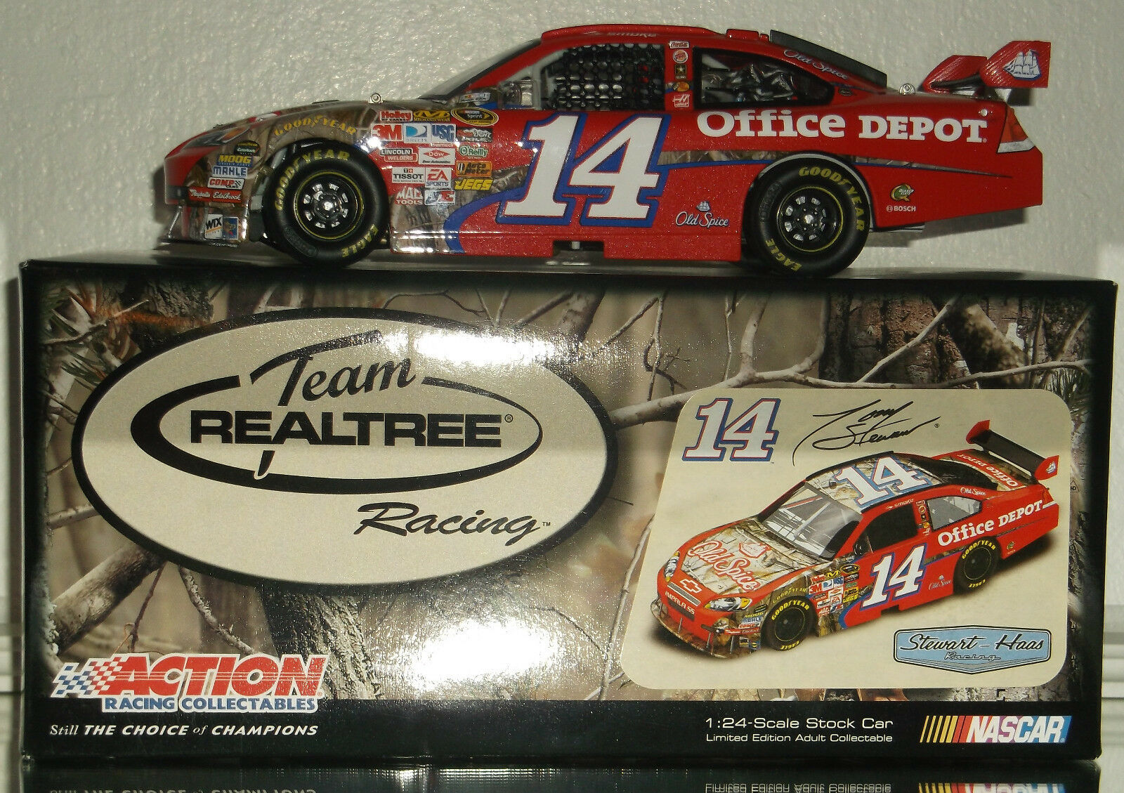 2009 TONY STEWART OLD SPICE REAL TREE 1 24 CAROF 1960 MADE NICE CAR