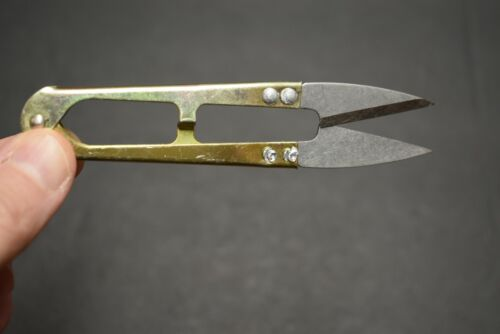 """4.25/"""" Spring Loaded Nipper Scissors for Fly Tying"""