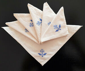 VINTAGE-SET-OF-6-NAPKINS-CREAM-with-BLUE-EMBROIDERY