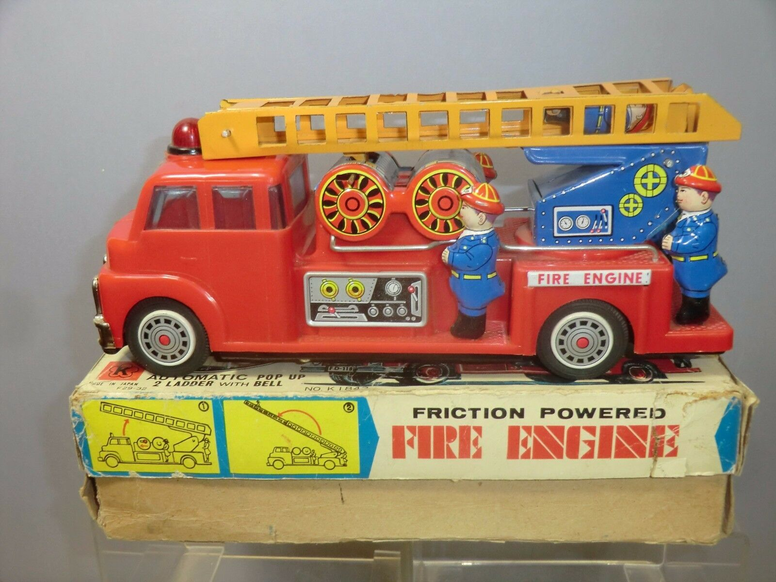 VINTAGE TINPLATE & PLASTIC FRICTION MODEL No.K.1842   F.9 FIRE ENGINE    VN MIB