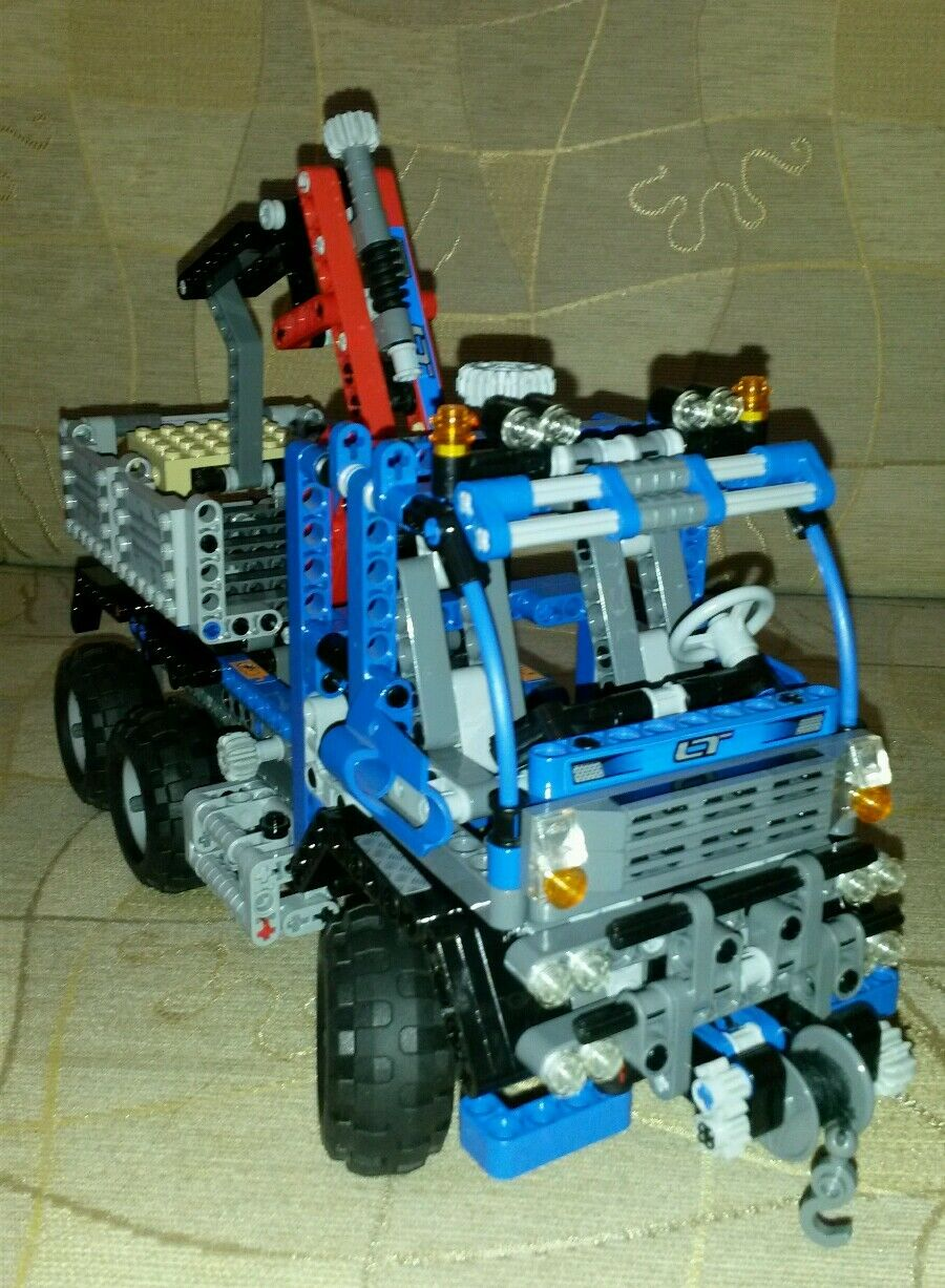 Lego Technic 8273 Off Road Truck 100% Complete + Instructions