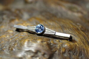 Nachlass-antike-Brosche-Nadel-835er-Silber-grosser-blauer-Topas-edel-amp-wertvoll