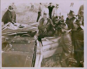 LG854 1968 Orig Dixon Photo TRAGIC CAR ACCIDENT Crushed Vehicle Worcester Bridge