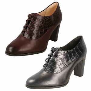 LADIES CLARKS LACE UP CROC LEATHER HIGH