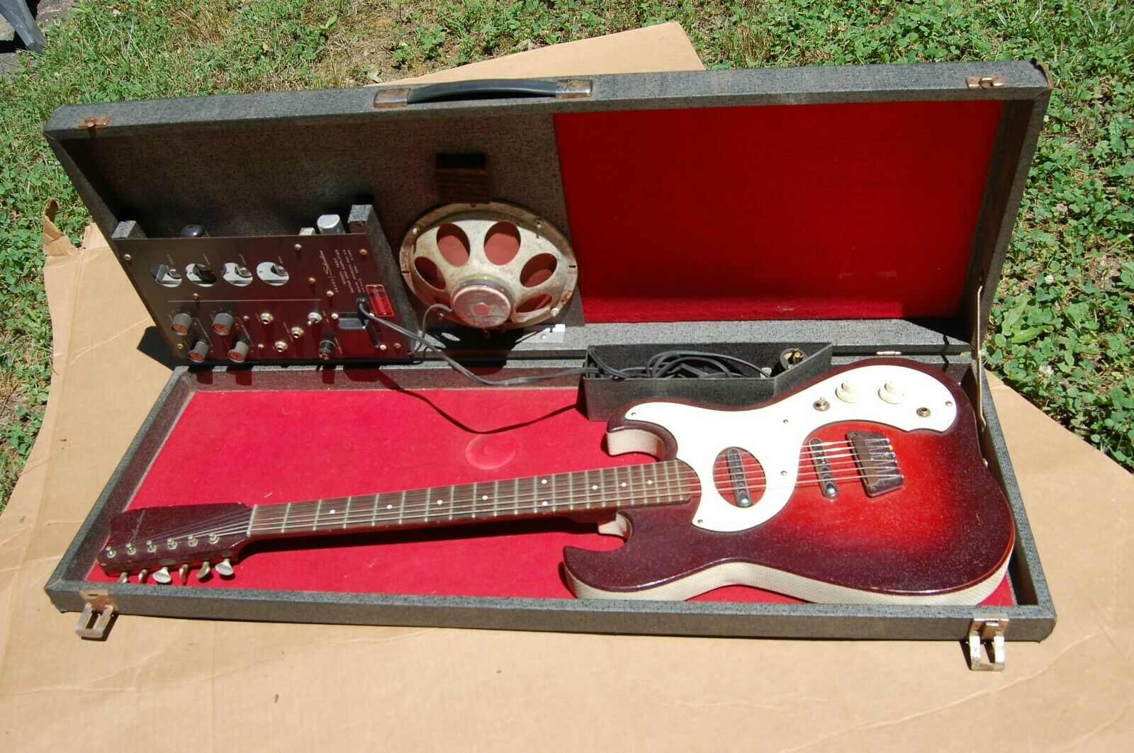 Vintage 1457 SilberTONE GUITAR w TUBE AMP in CASE DANELECTRO '63