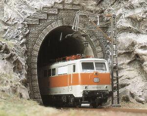 Busch-7024-scala-H0-2-e-lok-portale-NUOVO-IN