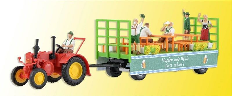 Kibri 12226 Gauge H0, Lanz Tractor with Float and 6 Figurines