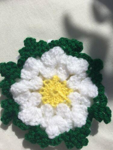 "handmade crocheted flowers acrylic  white with leaf 13 cm 5/"""