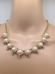 Stunning Pearl Gold crystal Necklace