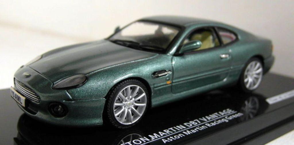 Aston Martin DB7 Vantage  1 43 Model Car British Racing Green. Vitesse