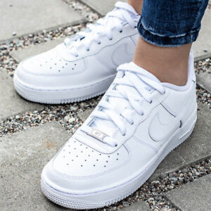 the latest 8420c fb2d2 Das Bild wird geladen NIKE-AIR-FORCE-1-GS-Unisex-Kinder-Damen-