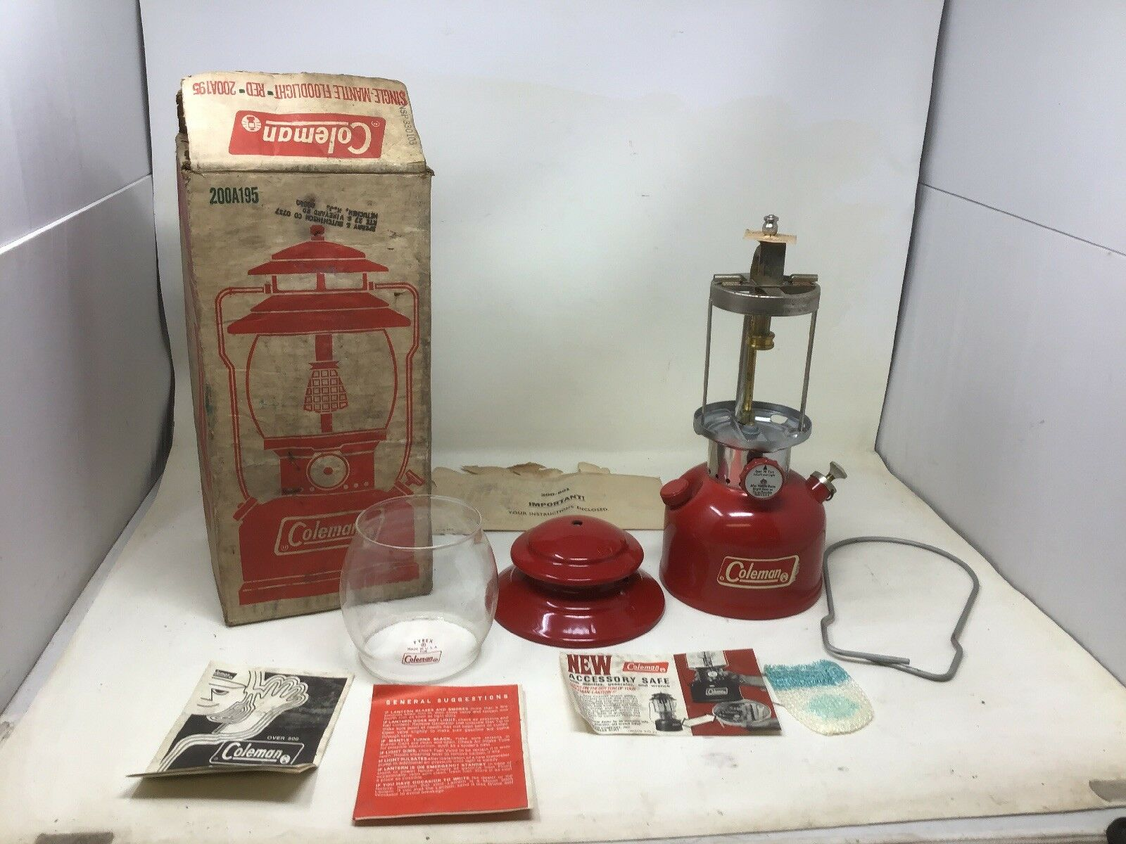 Coleman 200a Lantern New in Box 2  1973 Never Used Free Shipping
